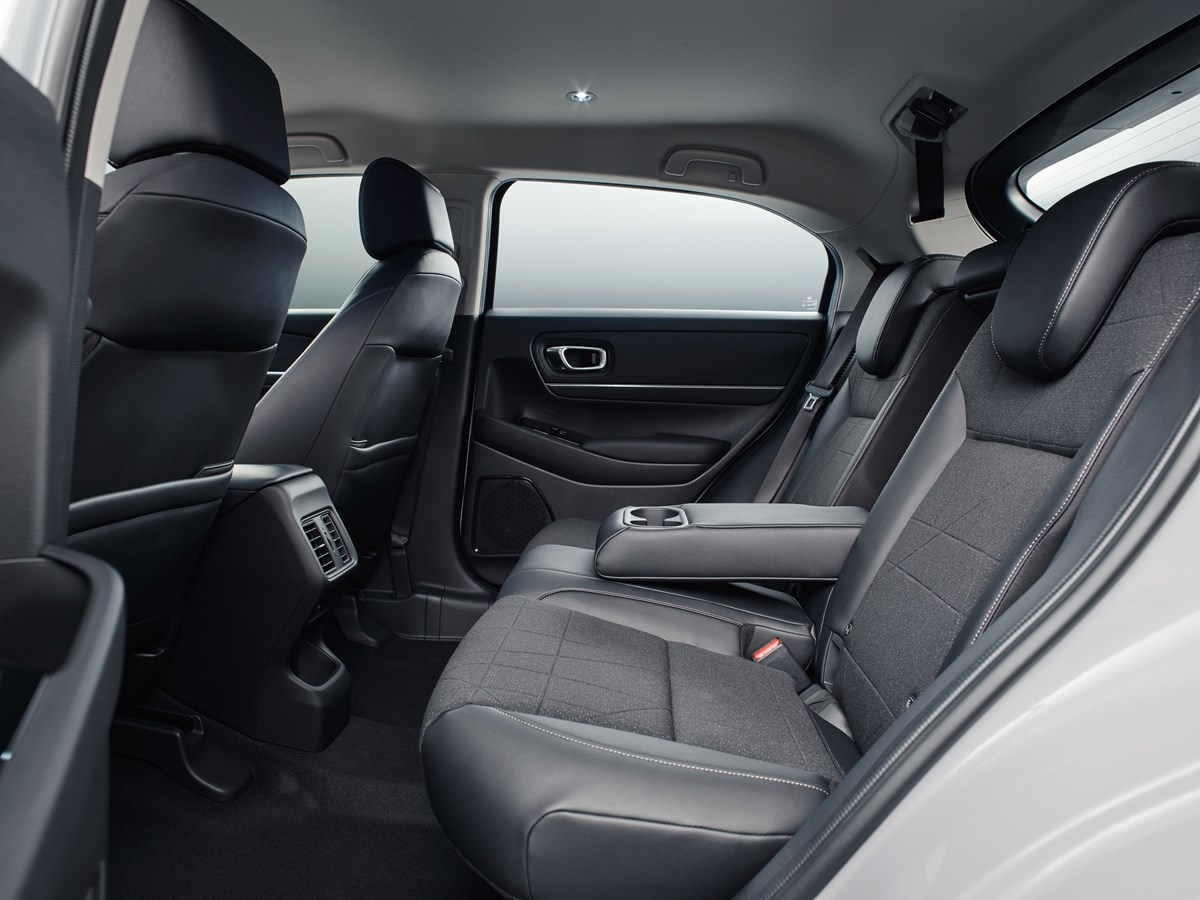 comfortabele zitruimte achterbank auto