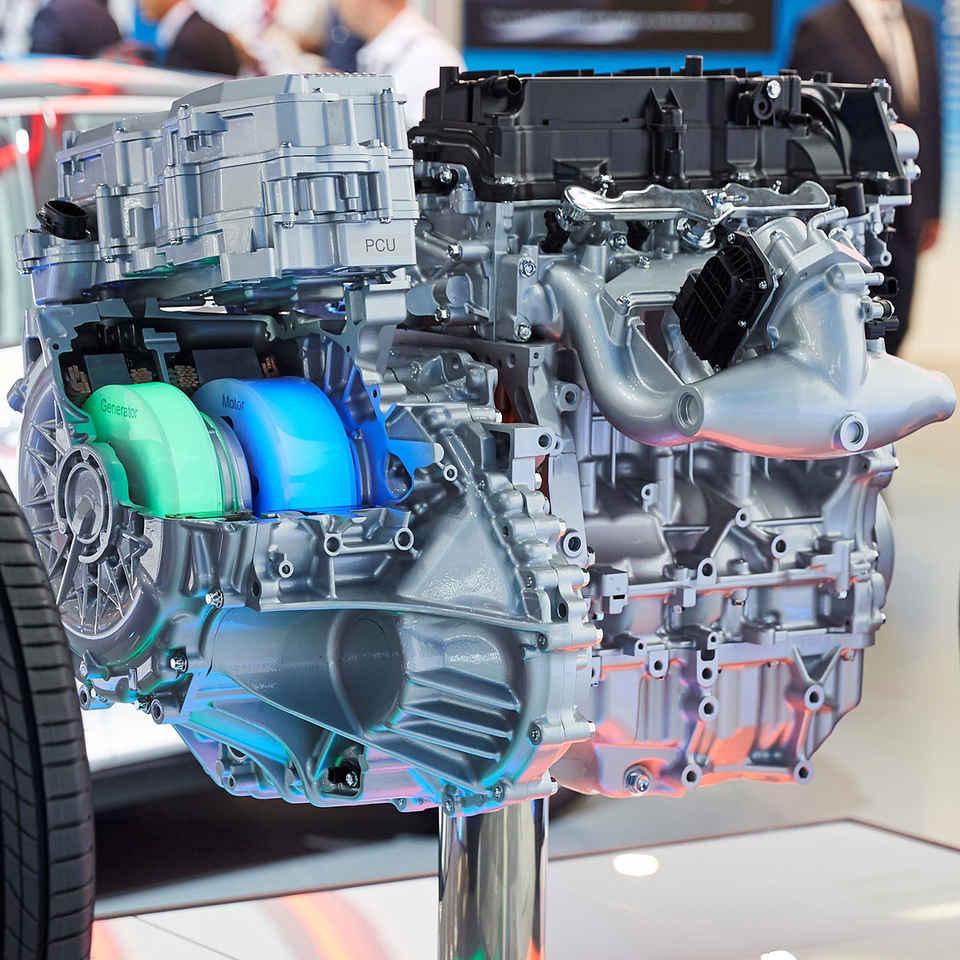 Wat is een Hybride motor?